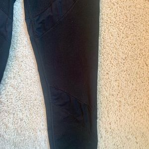 NWOT Aerie black cotton leggings short size medium